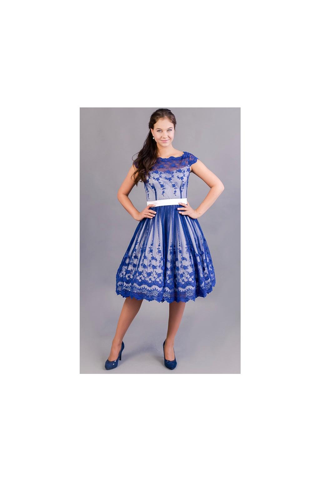 originální svatební šaty ušité ze starodávné bavlněné krajky ... c574877d9b