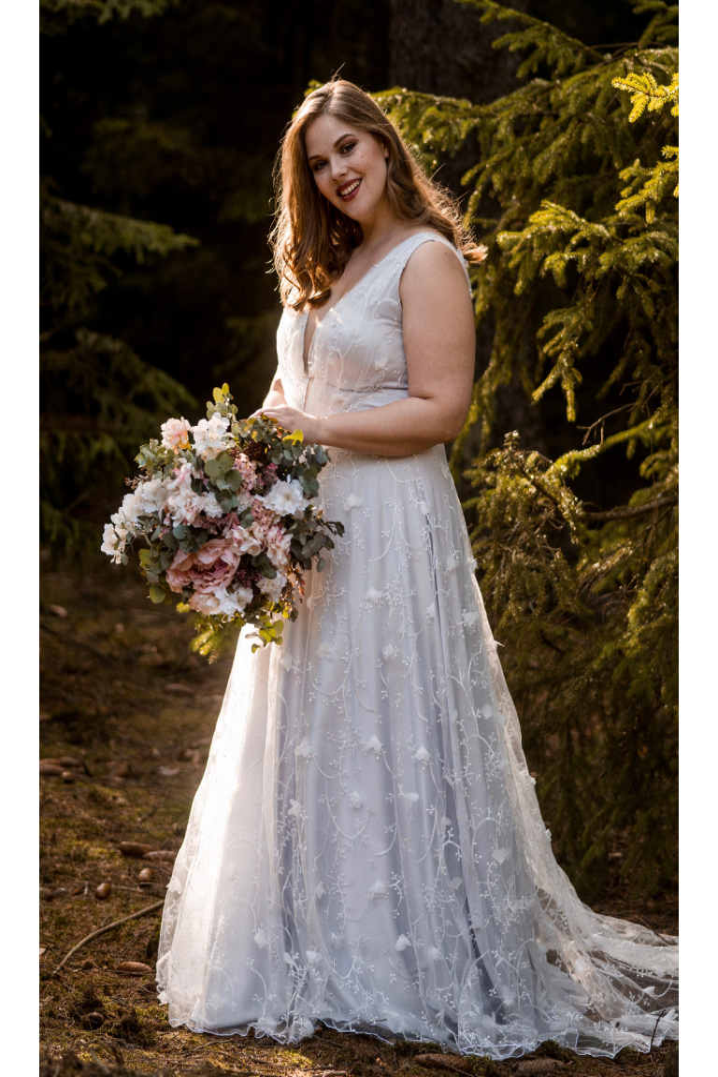 857da4f667 Šedo-modré svatební šaty ISABELLA PLUS - MiaBella
