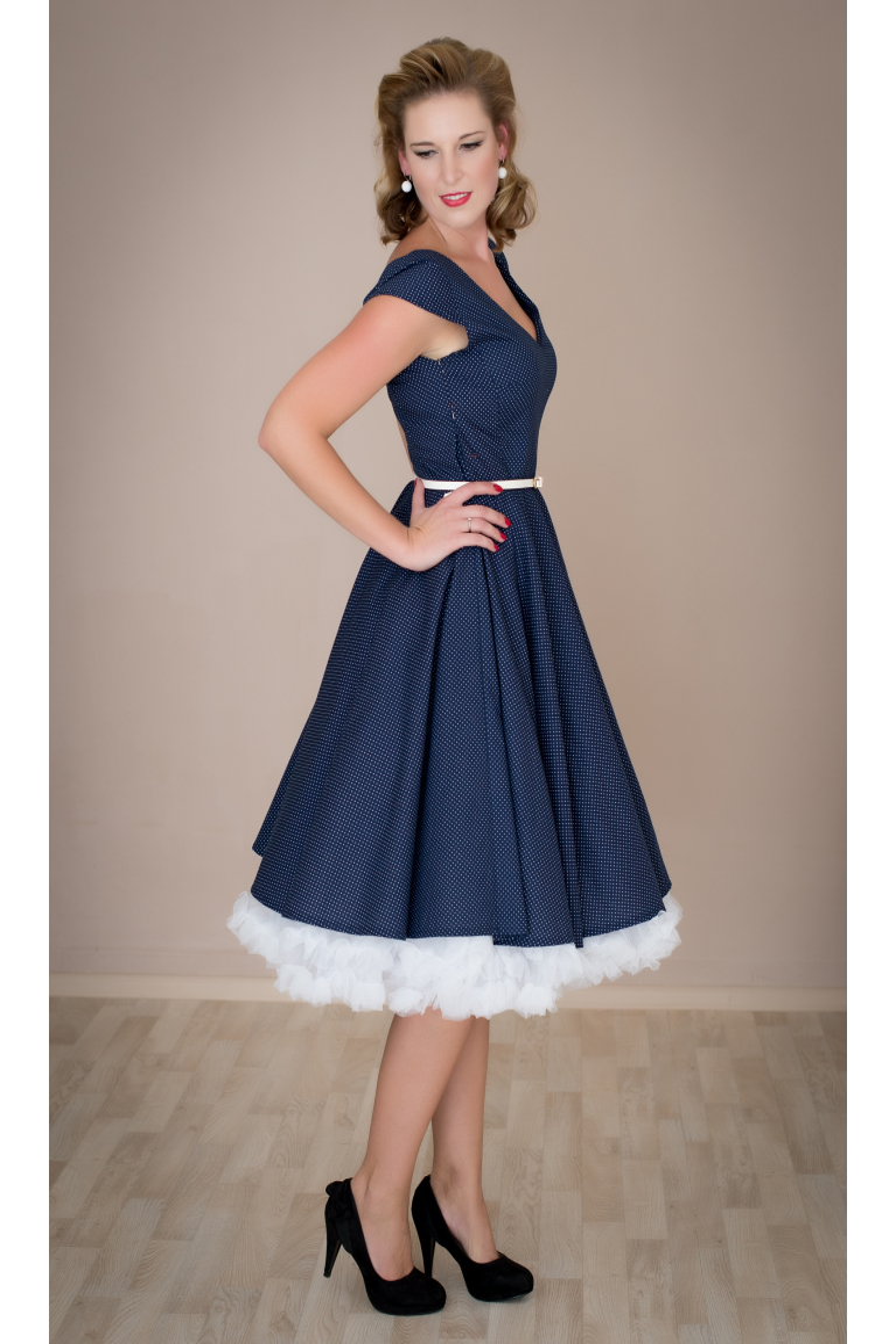 c2bf307298c2 LOREN retro šaty tmavě modré s mini puntíkem - MiaBella