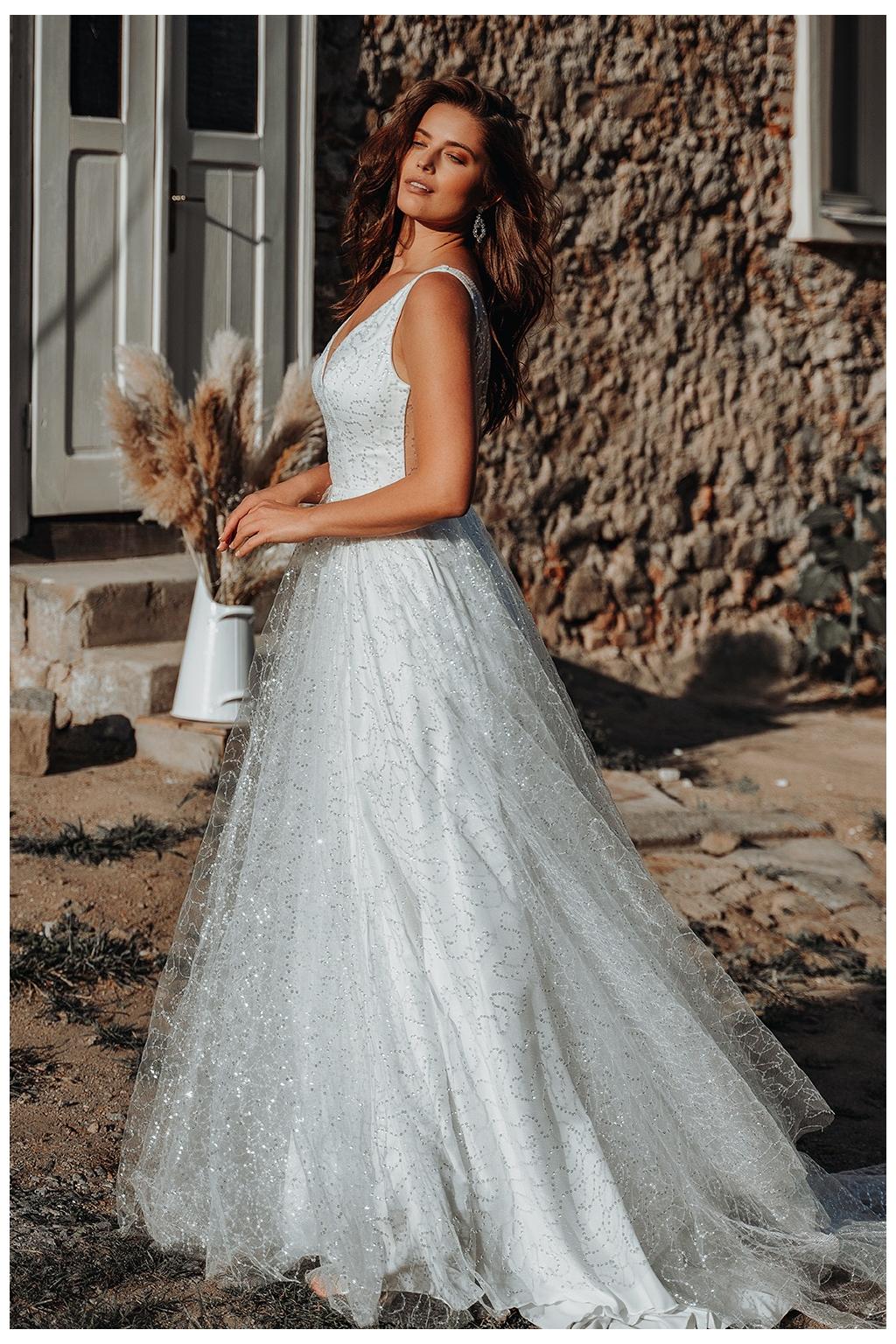 Třpytivé svatební šaty LUNA