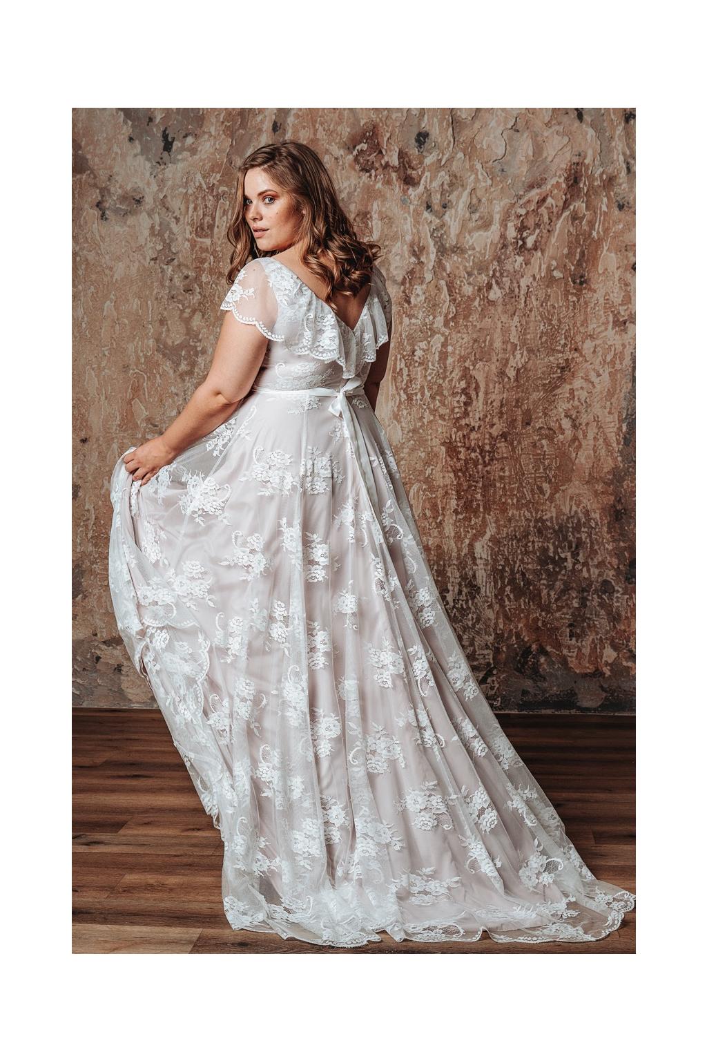 Romantické svatební šaty LUCA PLUS