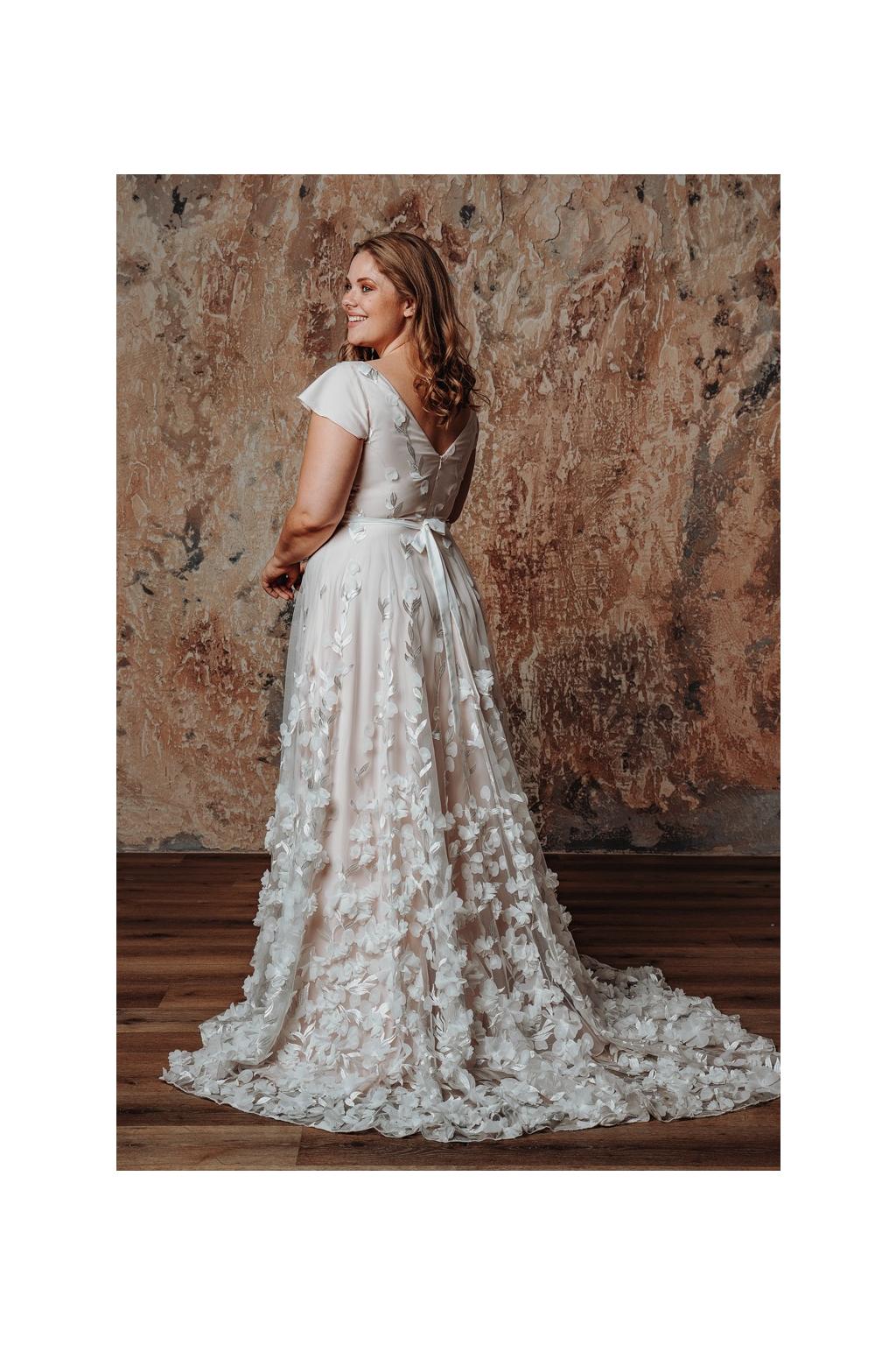 Květinové svatební šaty FLORANCE PLUS