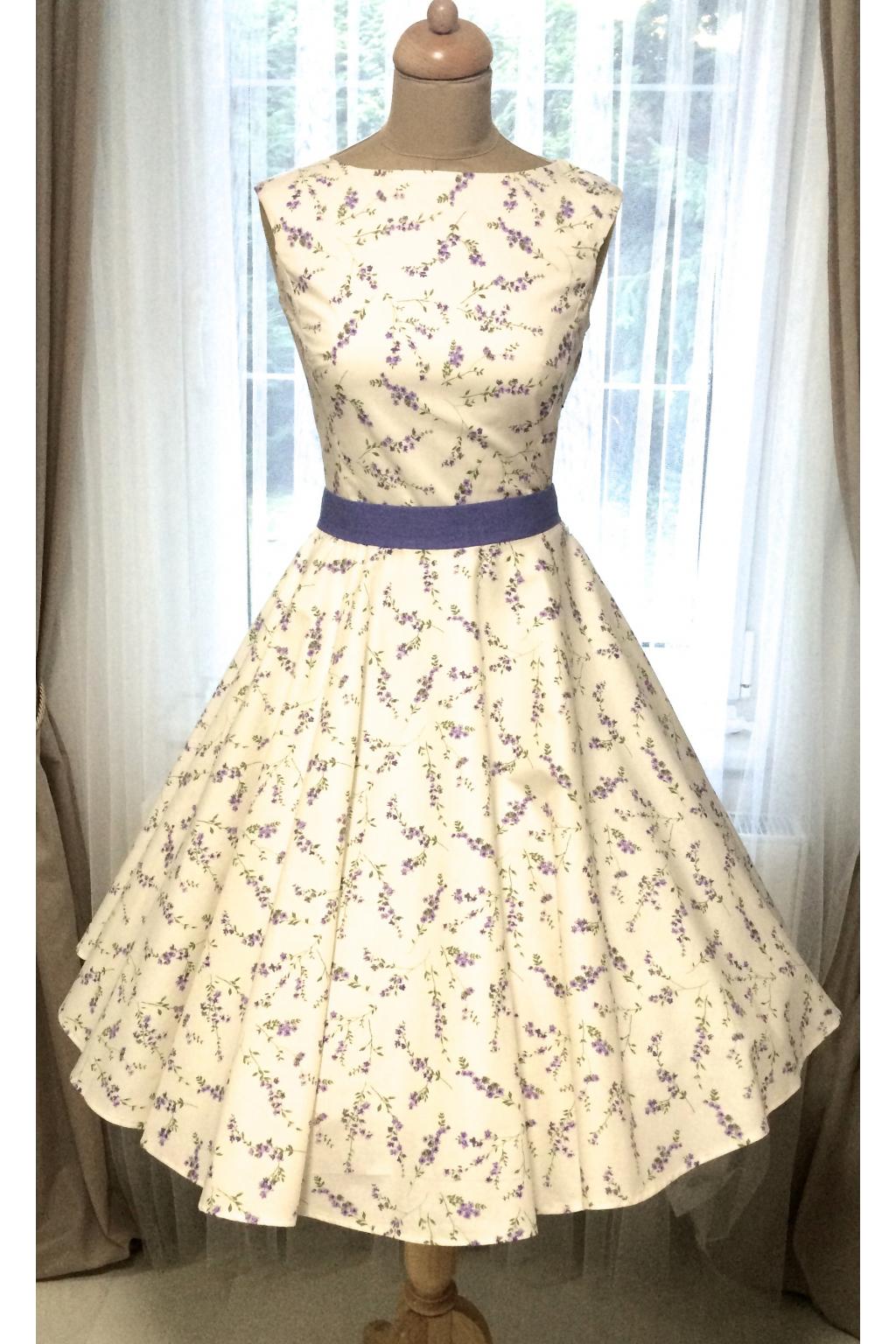 SUSAN retro šaty s levandulí