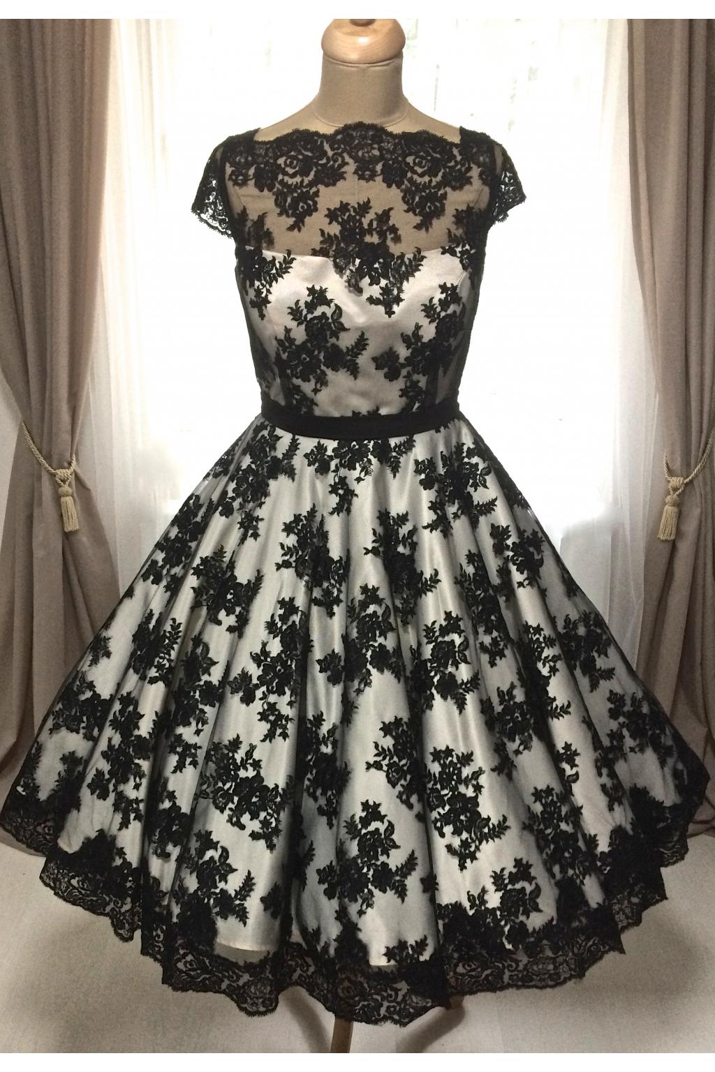Korzetové retro šaty s černou krajkou - více barev
