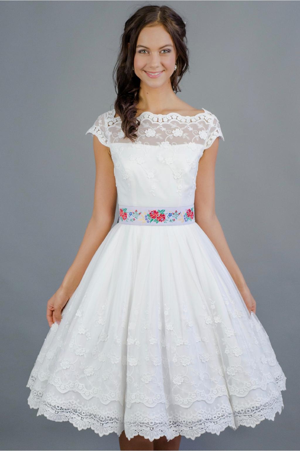originální svatební šaty ušité ze starodávné bavlněné krajky  živůtek ... a93867181f