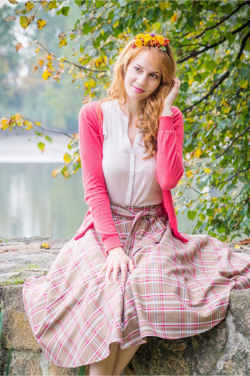 34452f3f1241 Kolová sukně skotská kostka hnědá - více barev - MiaBella