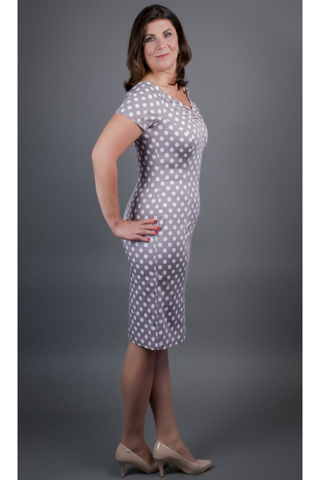 pouzdrové šaty se širokým V výstřihem ... 8f16c0038a