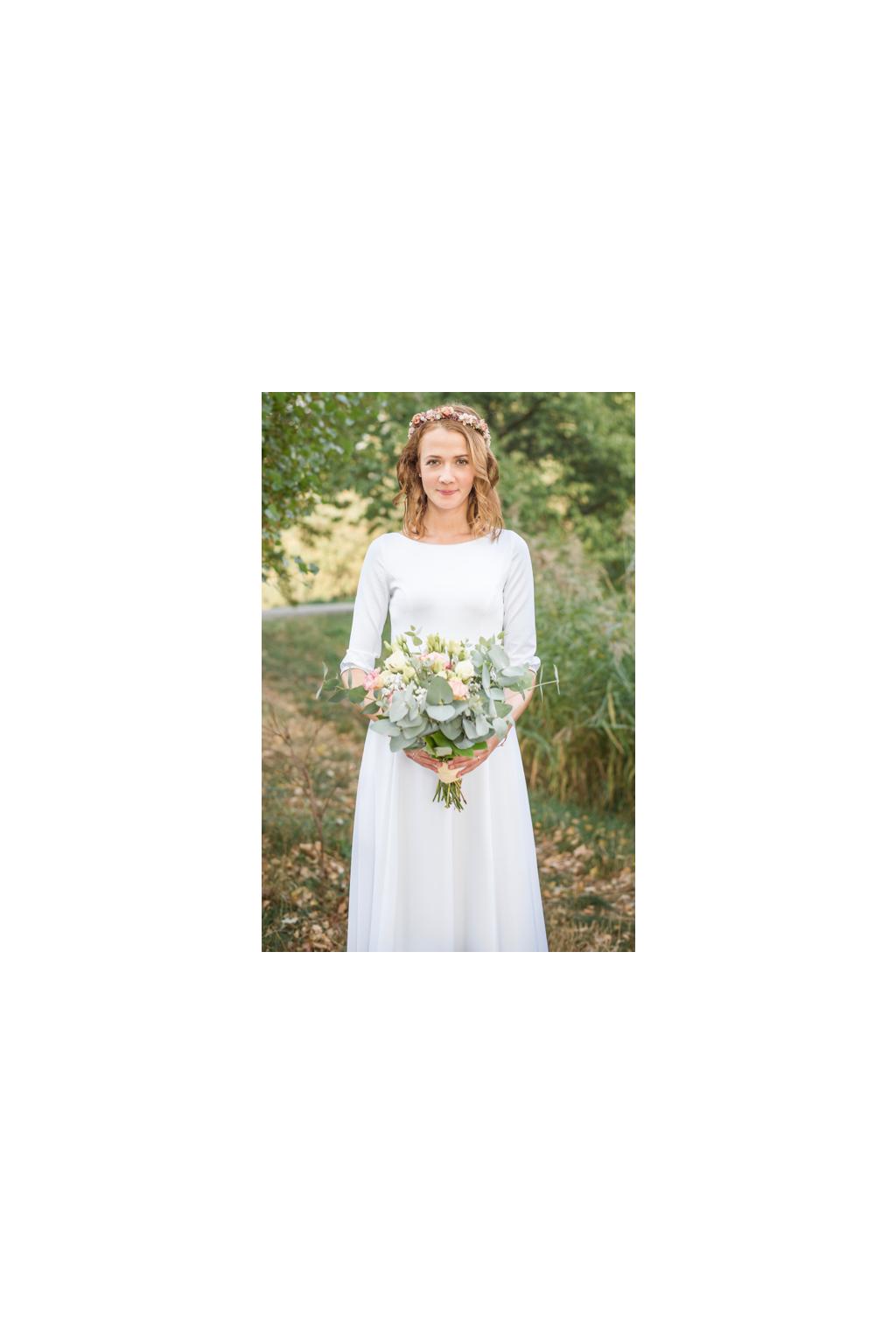 245 kópia · Dlouhé svatební šaty s rukávy ... 4439904e34