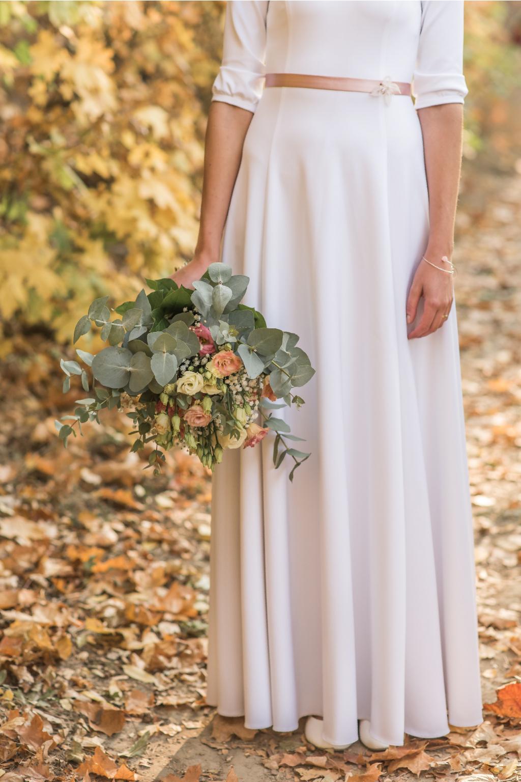 ... Dlouhé svatební šaty s rukávy ... 8095f57566