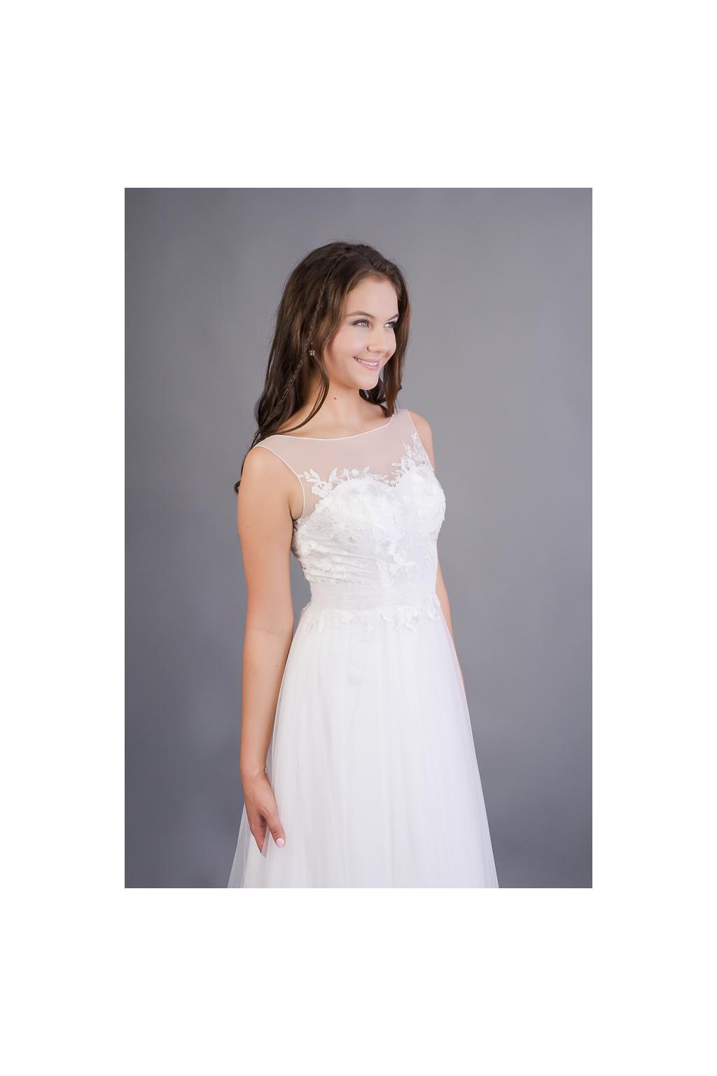 Svatební šaty s tylovou sukní a květinovým živůtkem - MiaBella 2da5e57851