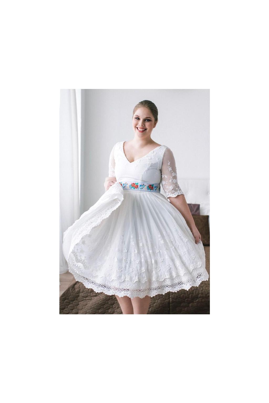 Folklórní svatební šaty s V výstřihem - MiaBella 3a6b5161f3
