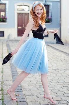 TUTU-svetle-modra