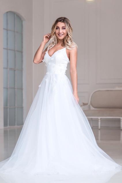 dlouhe-svatebni-saty-s-tylovou-sukni 70a8216be7