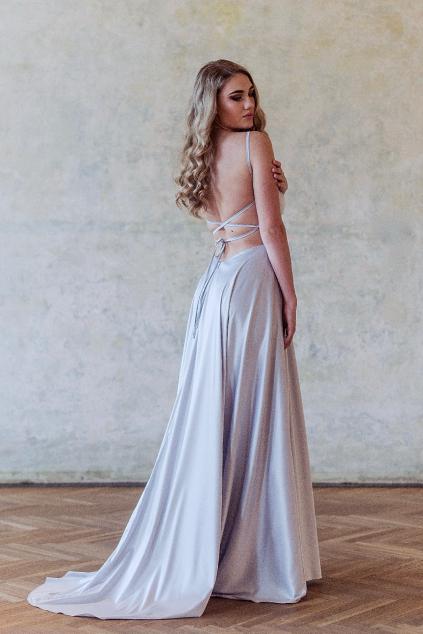 šedé maturitní šaty na míru