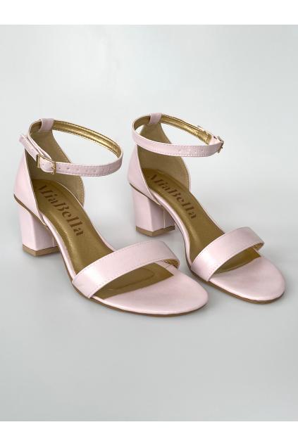 růžové sandálky na podpatku