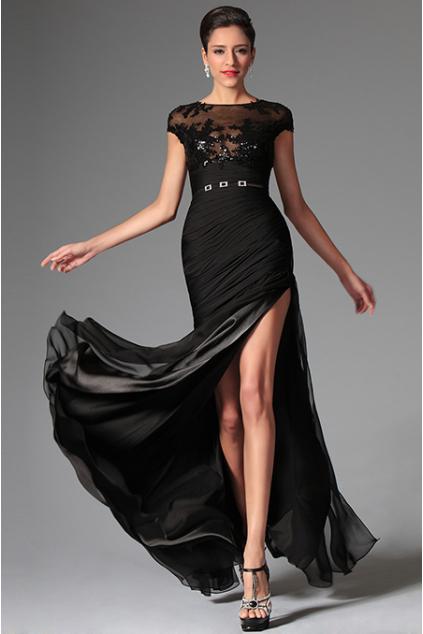 Odvážné společenské šaty s flitry - vel. 40