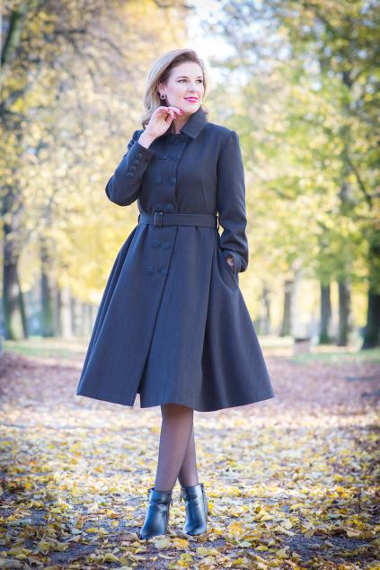 Na zakázku šitý retro kabát