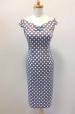 Pouzdrové šaty s puntíky