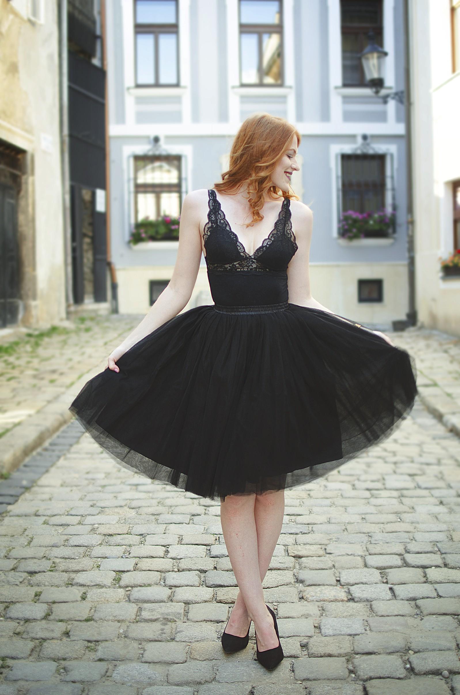 Dámská tylová TUTU sukně černá pod kolená - 60 cm