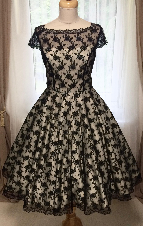 Korzetové retro šaty s jemnou černou krajkou - více barev Barva jako na obrázku, 38