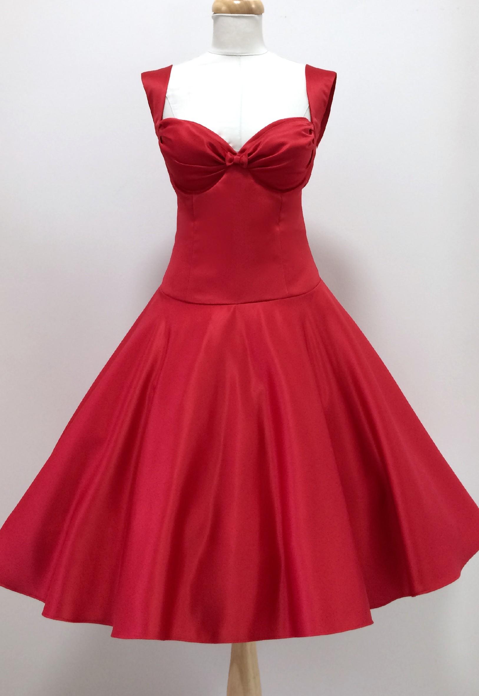 Červené krátké plesové šaty Louisa Barva jako na obrázku, 38