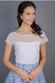 Bílé triko s puntíkatým sedlem a rukávy