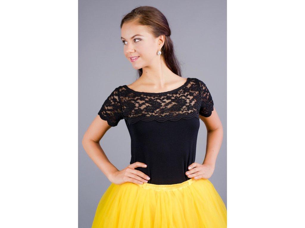 Čierne tričko s čipkovým sedlom a rukávmi