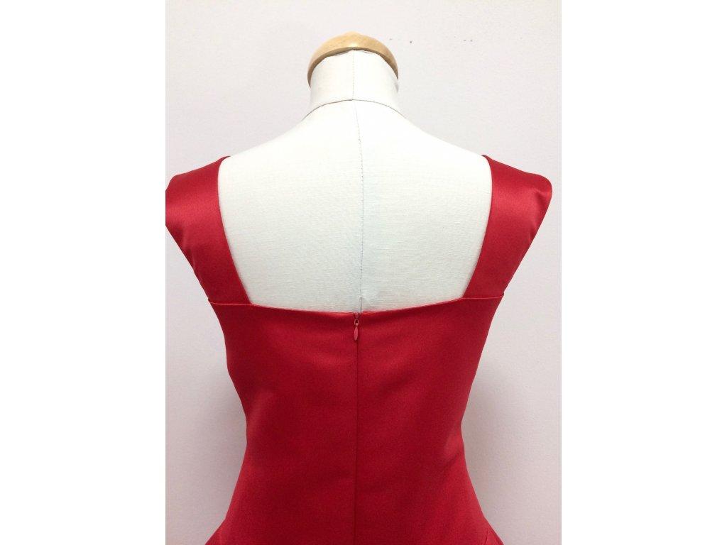 Červené krátke plesové šaty Louisa · Červené krátke plesové šaty Louisa ... d453277ff6