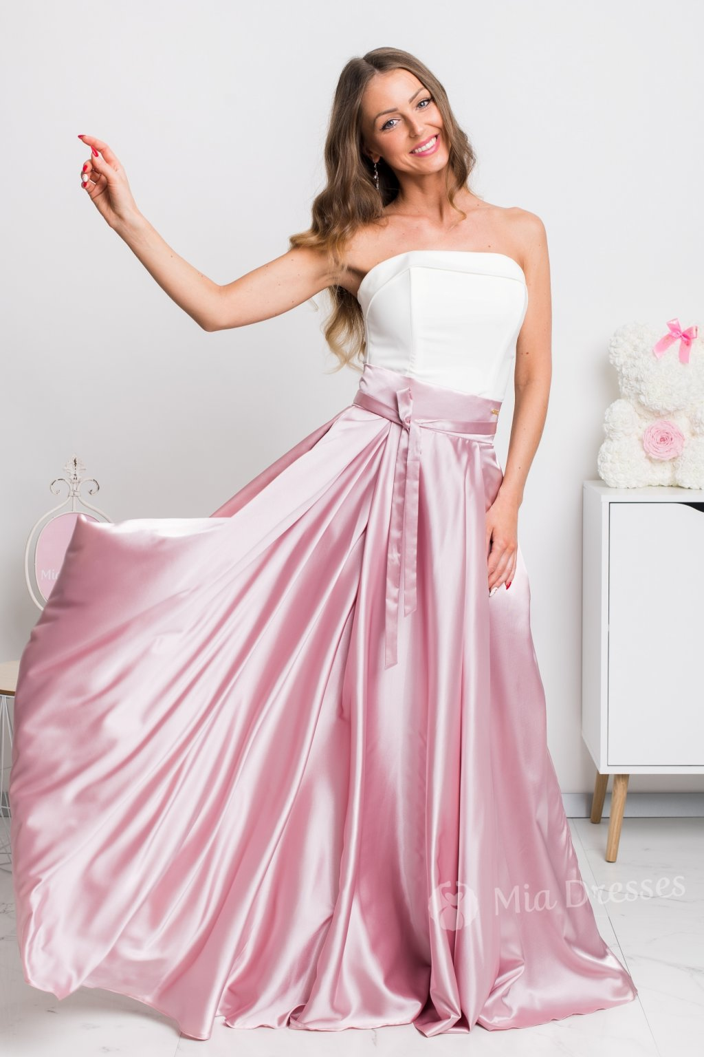 Dusty pink slit satin skirt