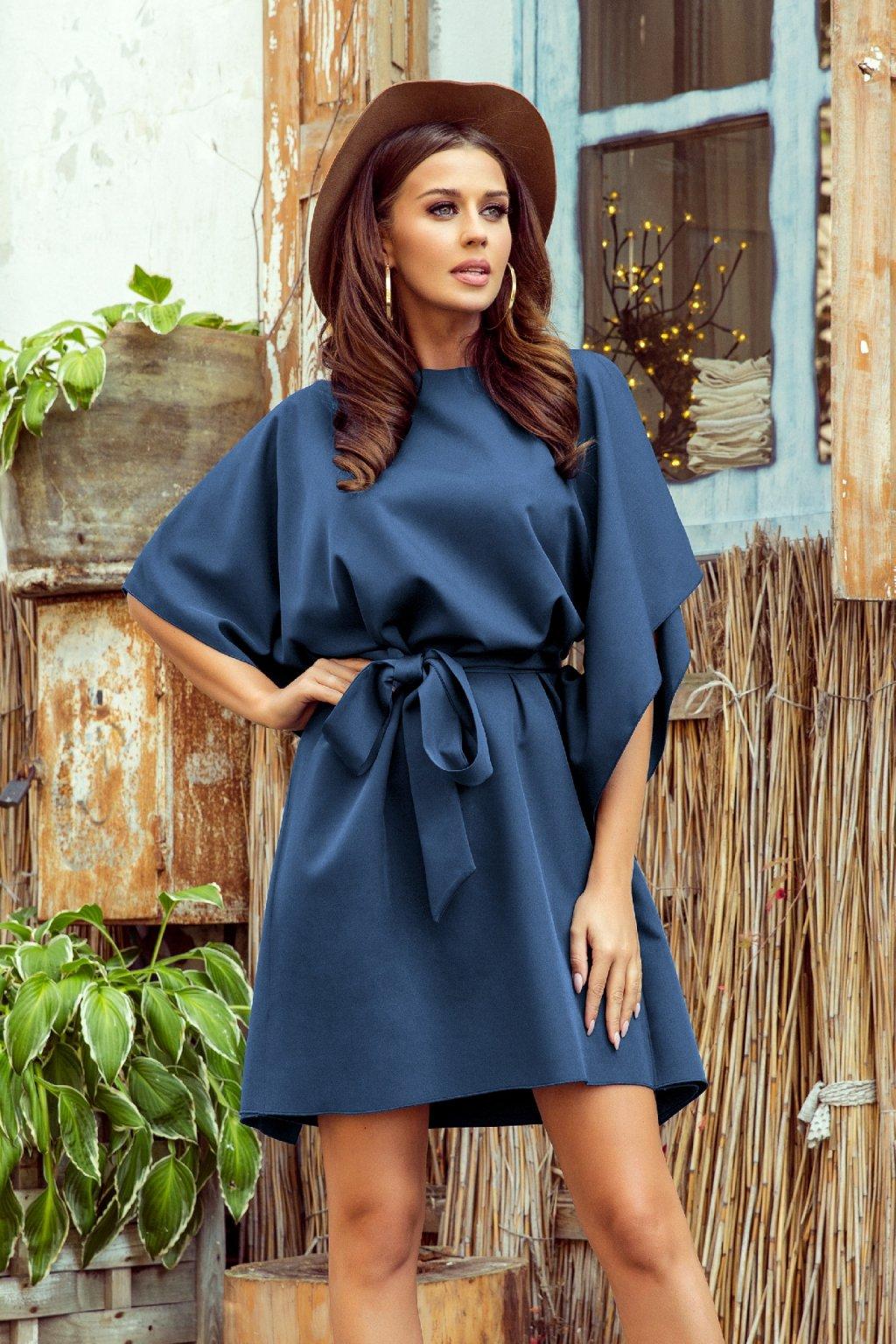 Modré krátke šaty s voľnými rukávmi