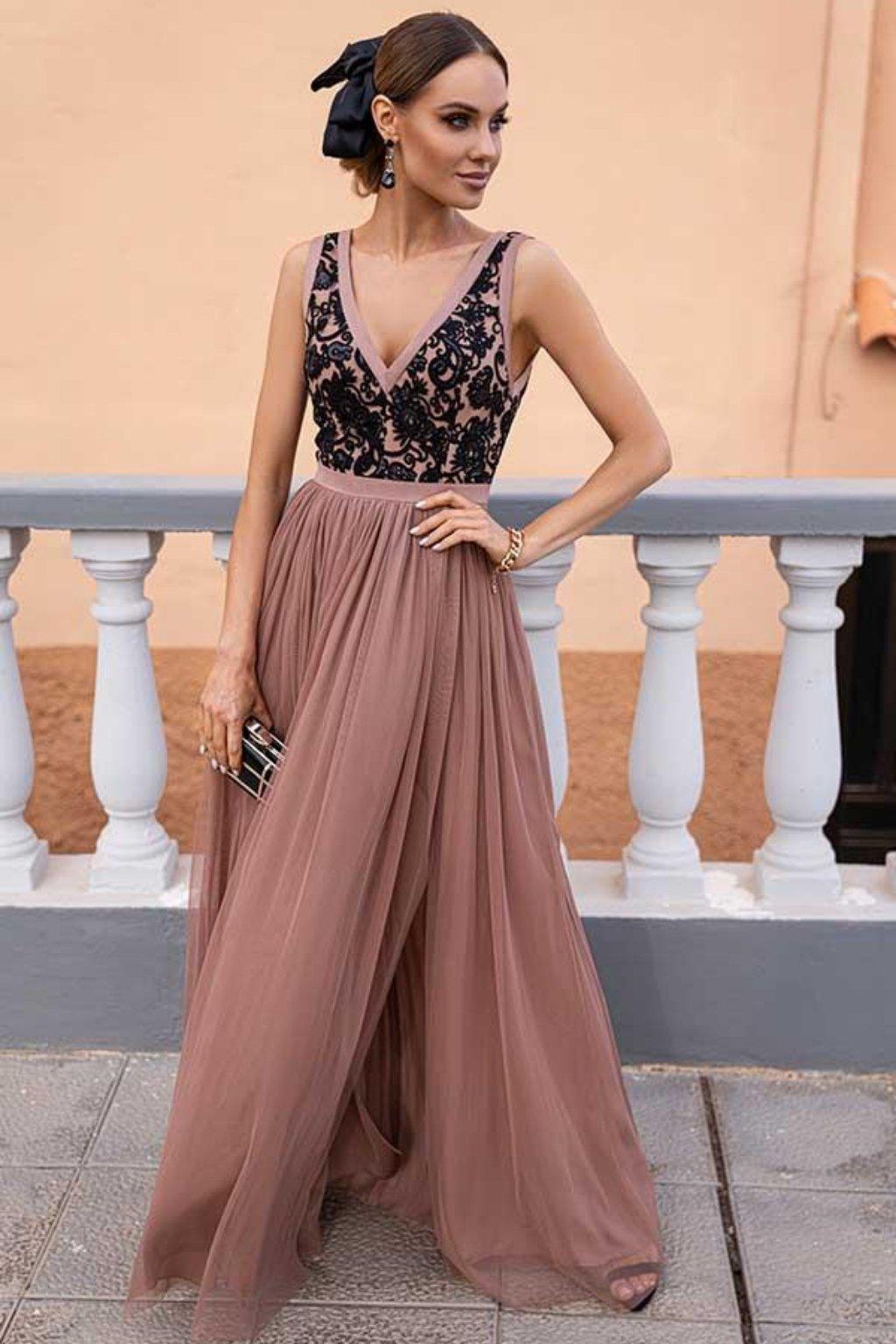 Hnedé spoločenské šaty s čiernou krajkou