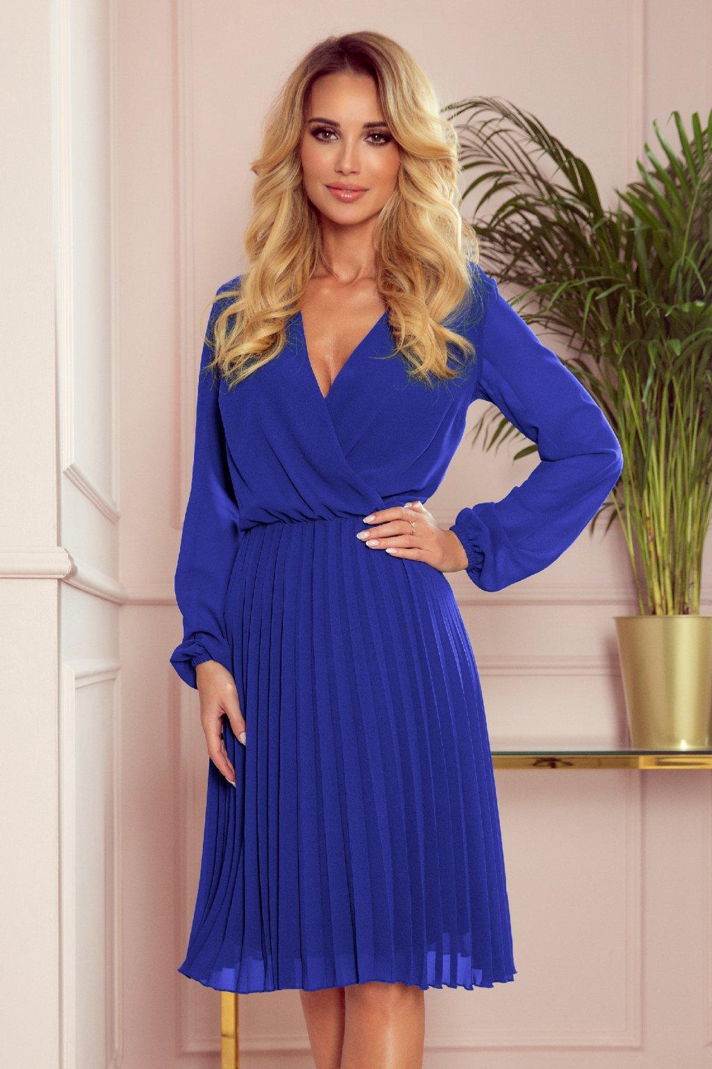 Modré krátke šaty so skladanou sukňou