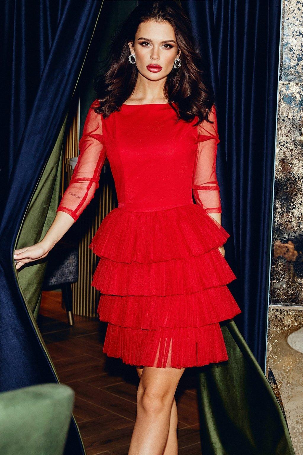 Červené tylové krátke šaty s nariasenou sukňou