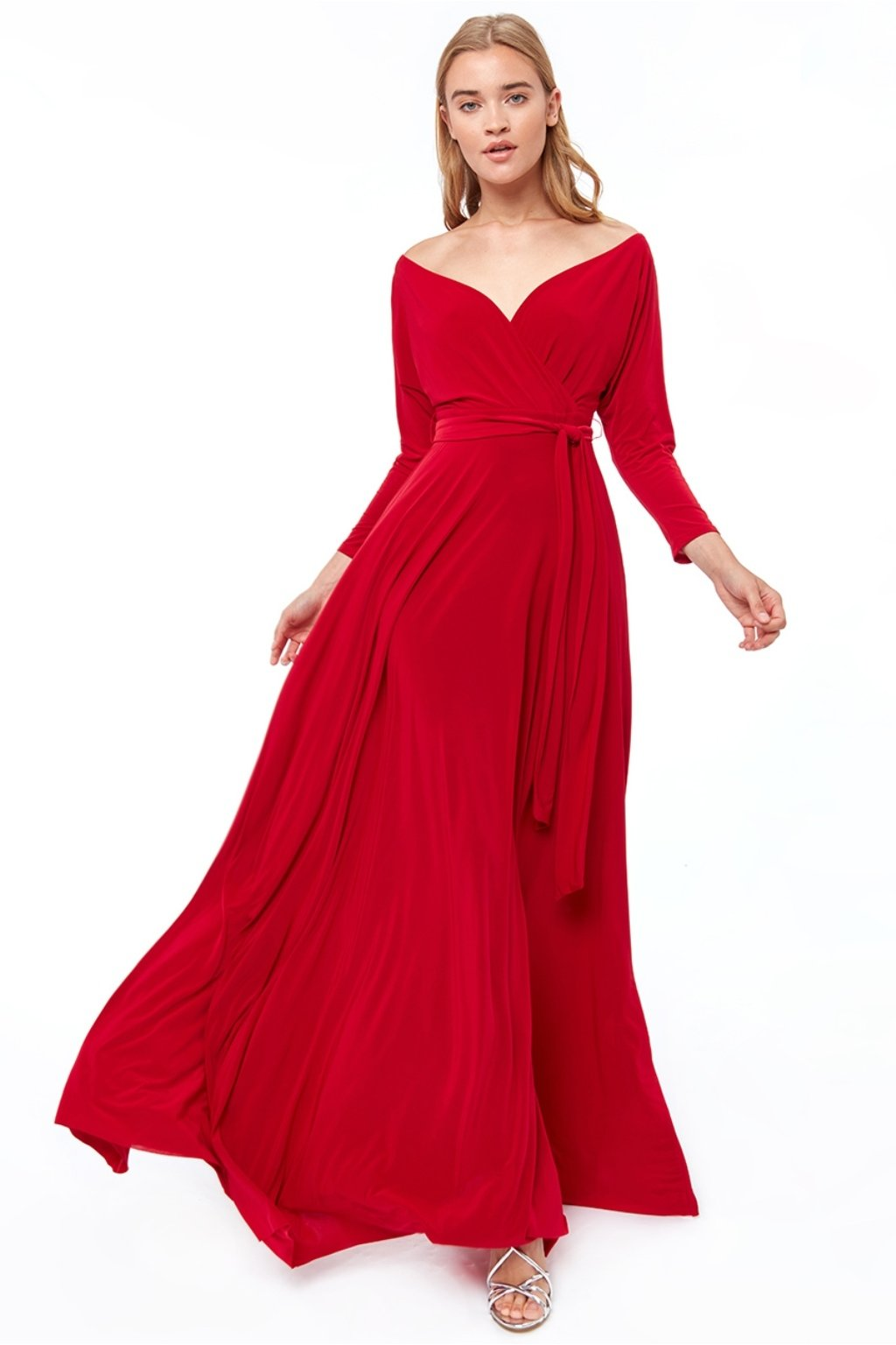 Červené spoločenské šaty s dlhými rukávmi
