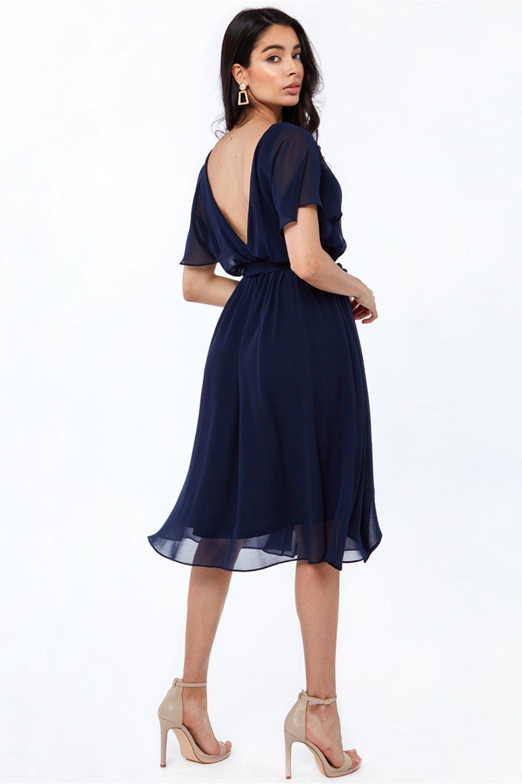 Tmavomodré šifónové midi šaty s výstrihom na chrbte