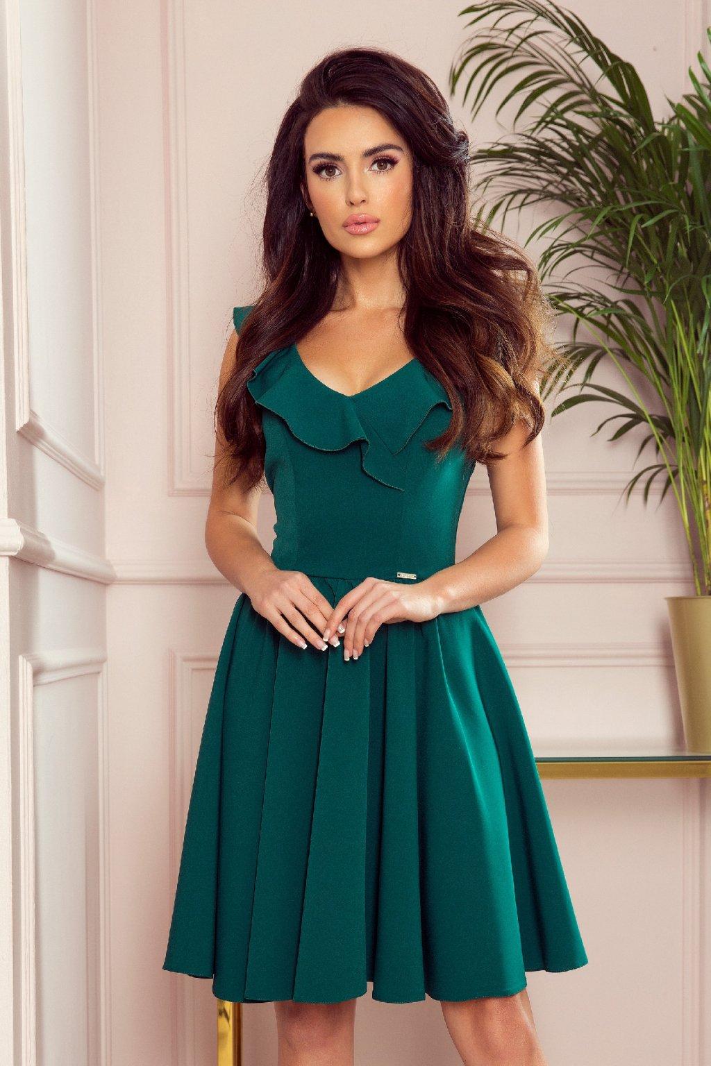 Zelené krátke šaty s volánikmi a áčkovou sukňou