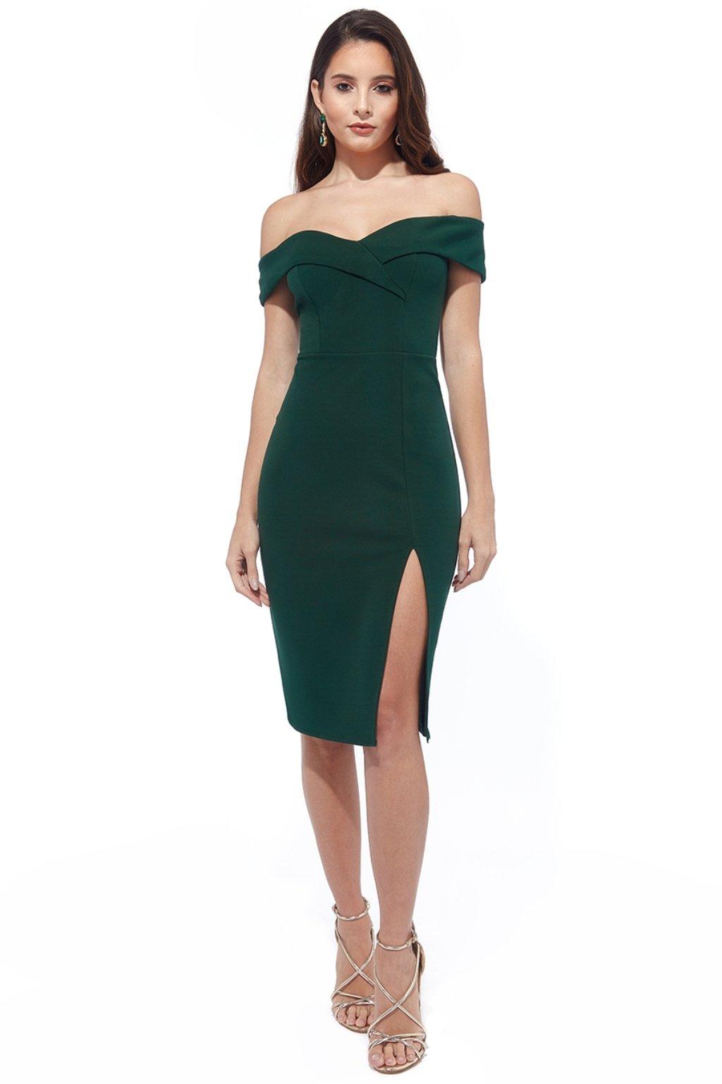 Zelené priliehavé šaty spustené na ramená