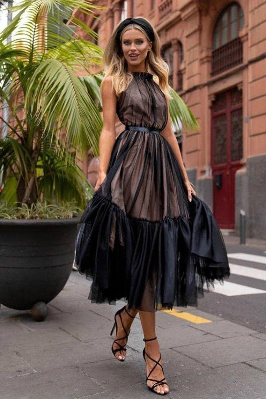Čierne tylové midi šaty