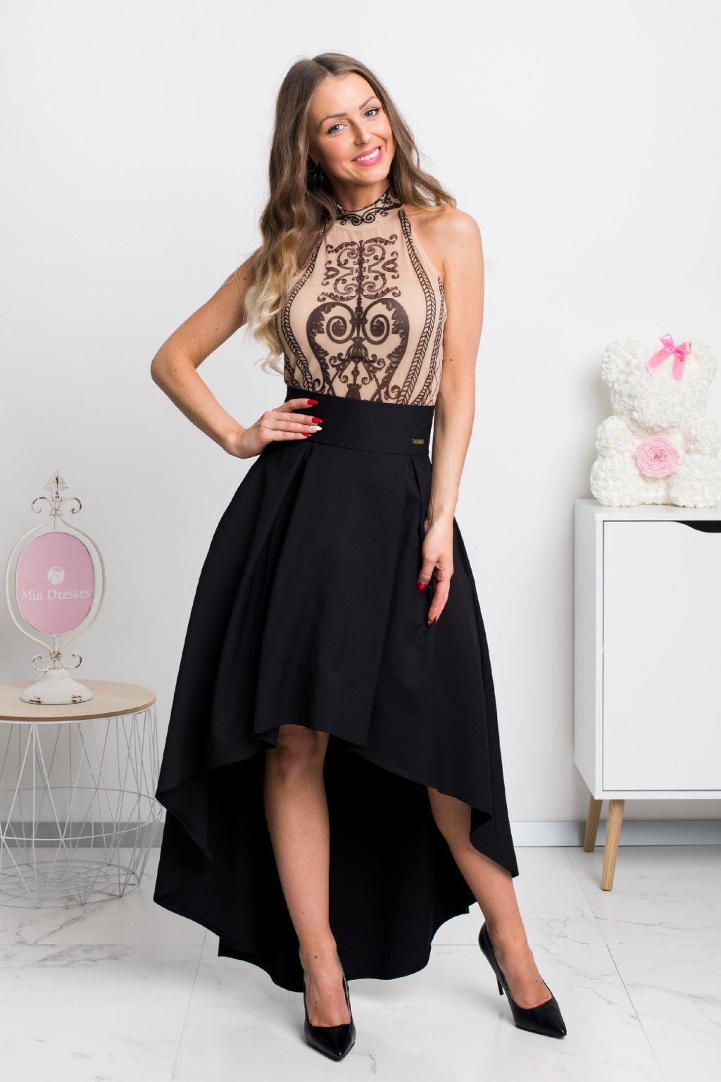 Čierna asymetrická sukňa
