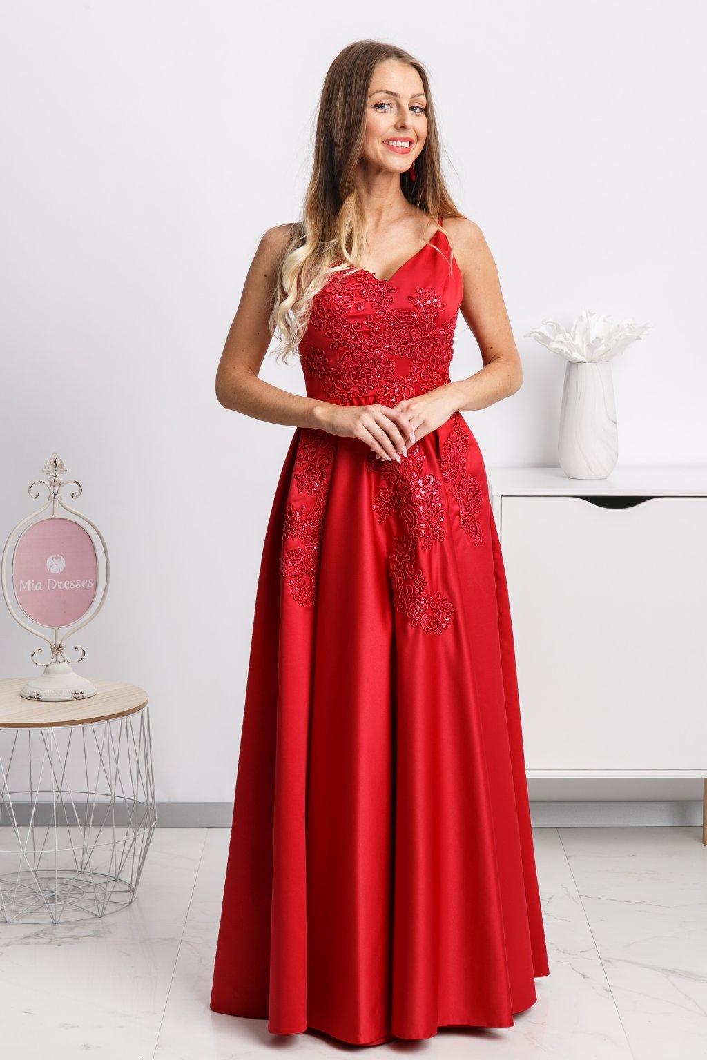 Červené spoločenské saténové šaty s krajkou