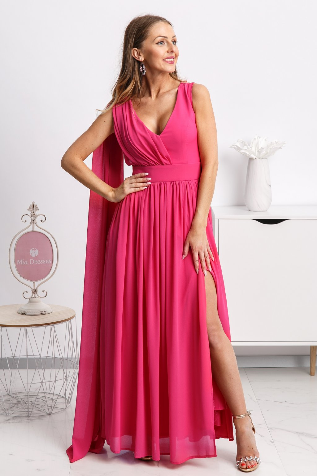 ce4564b45e97 Ružové spoločenské šaty so štólou - Mia Dresses