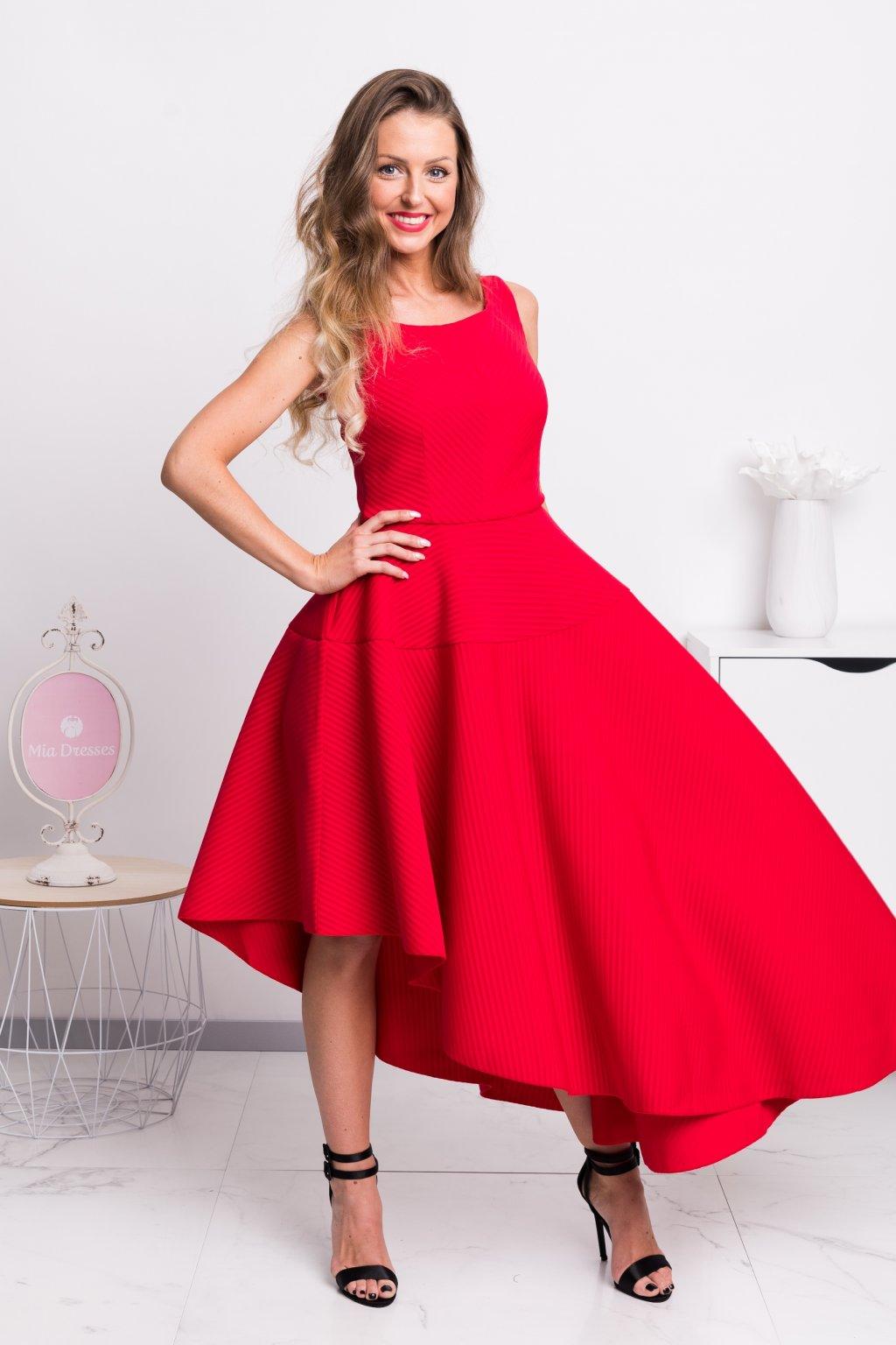 Červené spoločenské asymetrické šaty