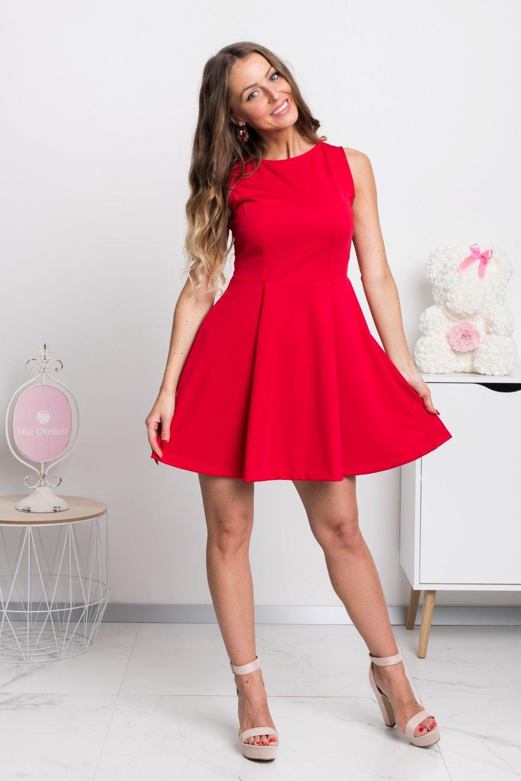 Červené áčkové mini šaty