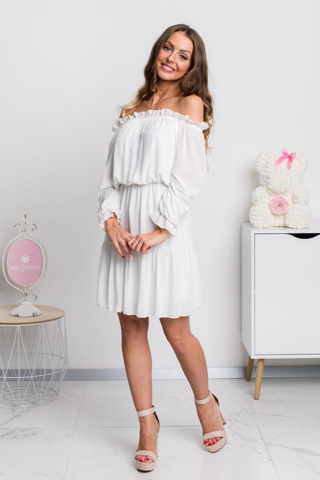 Biele krátke šaty spustené na ramená