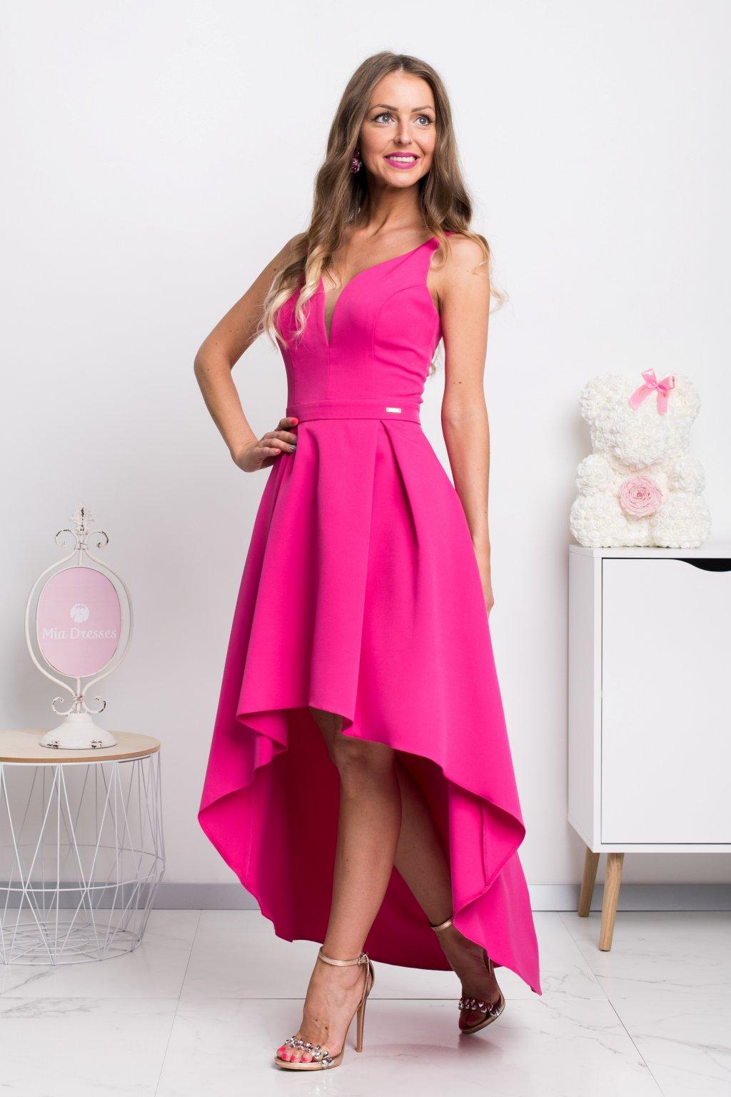 Cyklaménové asymetrické šaty