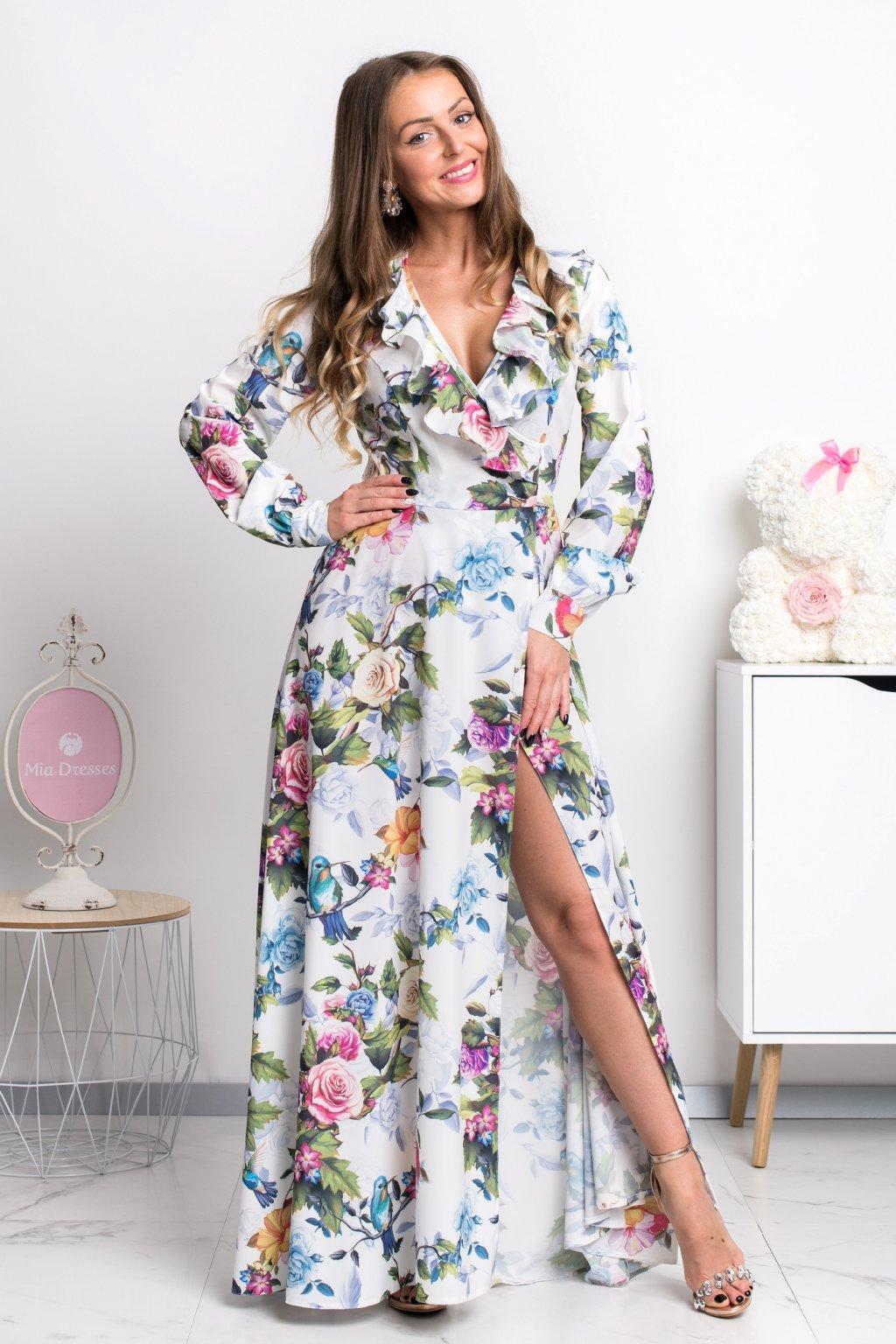 Smotanové kvetinové šaty s rukávmi