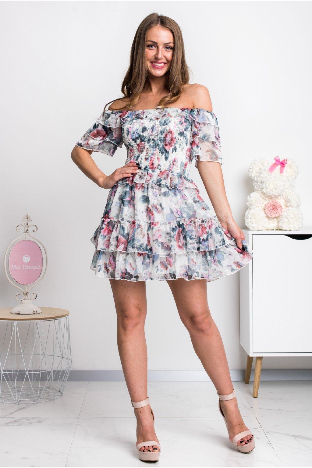 Kvetinové mini šaty s volánikmi