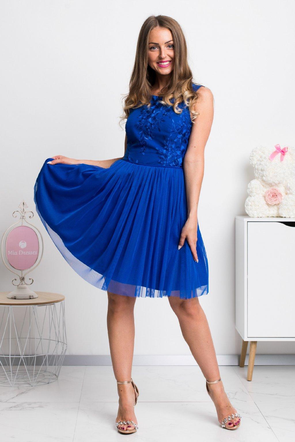 Modré krátke šaty s tylovou sukňou