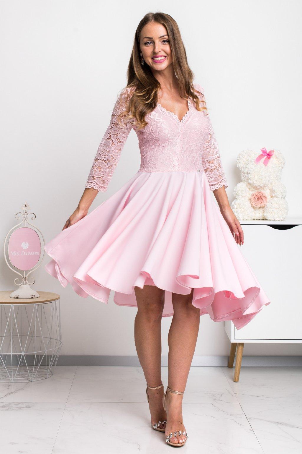 Svetloružové asymetrické šaty s čipkou
