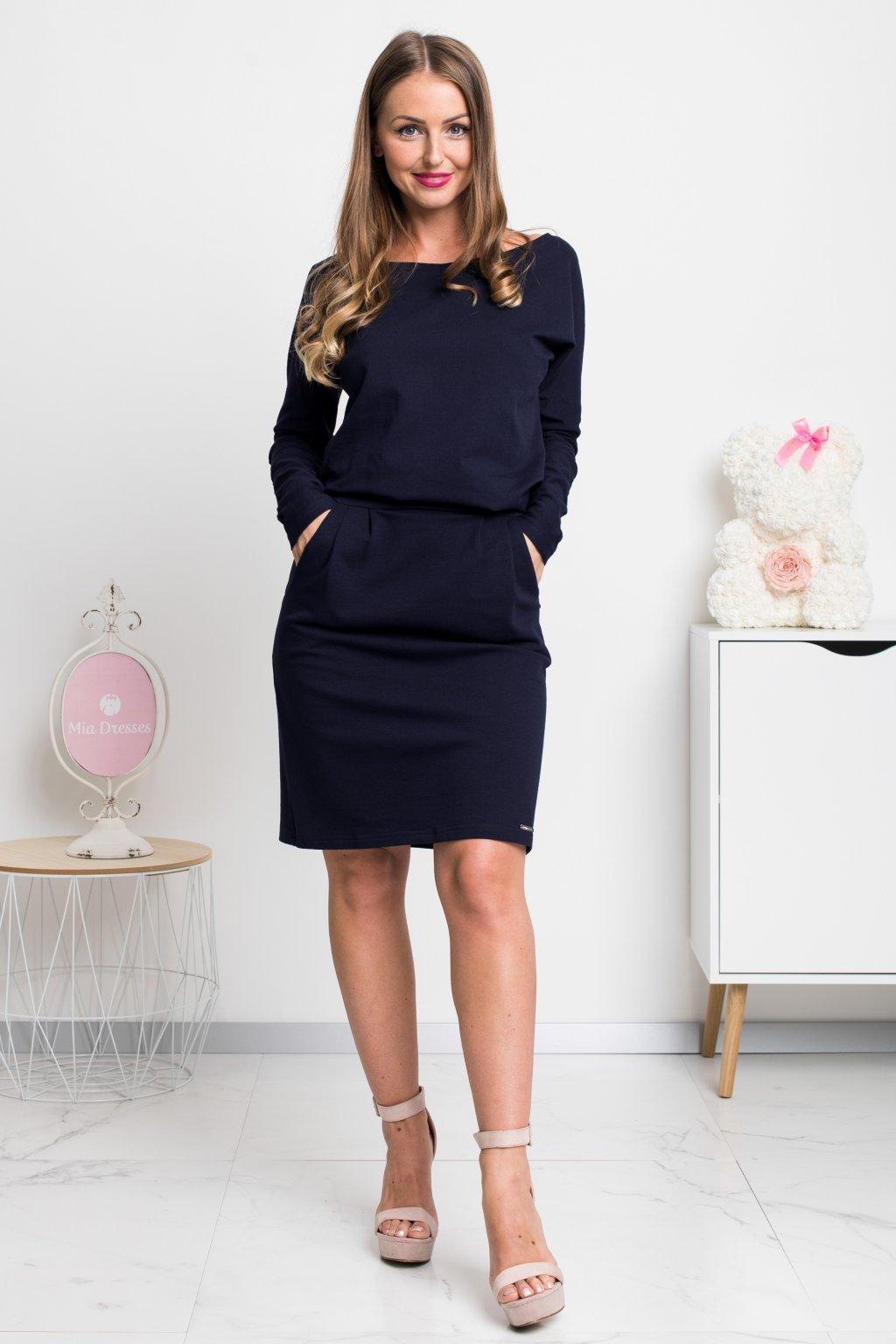 Tmavomodré krátke šaty s rukávmi